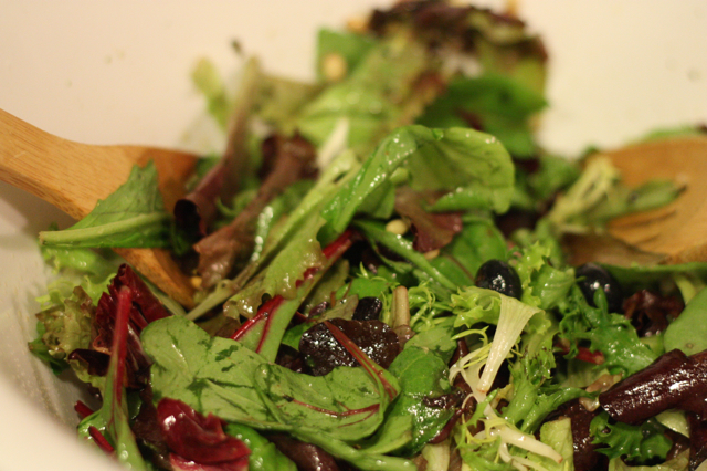 Blueberry Mixed Greens Salad