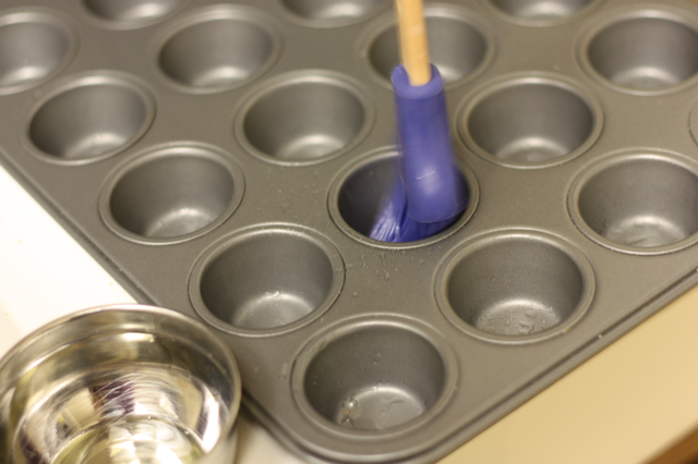 Coating muffin tin